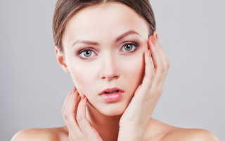 Что делать, если шелушится кожа на лице